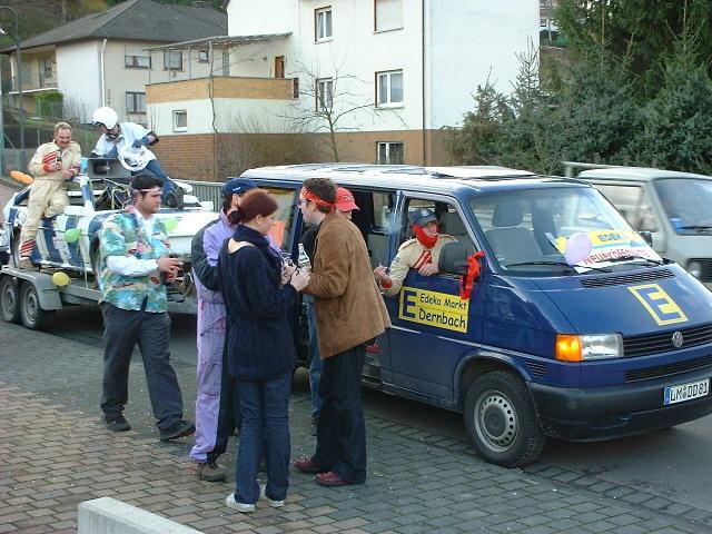 Das Autocross Team Dauborn beim ersten Umzug 2005